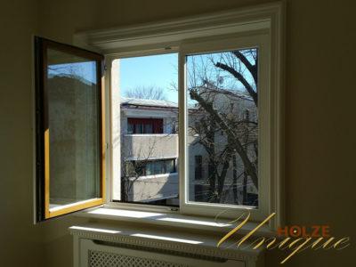 fereastra din lemn stratificat vopsite in doua culori