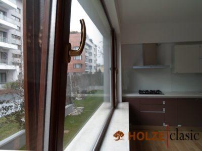 ferestre din lemn triplustratificat cu deschidere oscilobatanta pentru bucatarie , holze 36