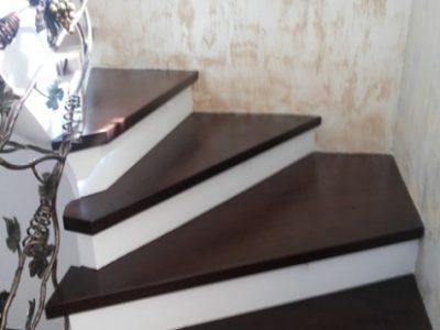 scari din lemn de stejar