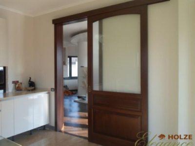 Usa de interior culisanta din lemn