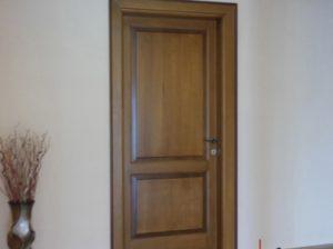 Usi interioare din lemn masiv si stratificat