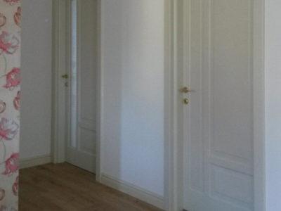 usa alba pentru dormitor