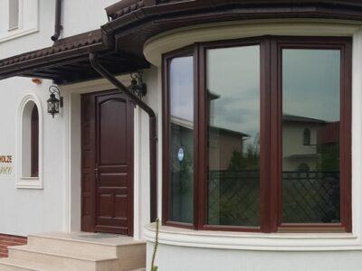 ferestre geamuri lemn stratificat termopan vs pvc aluminiu case vile bucuresti