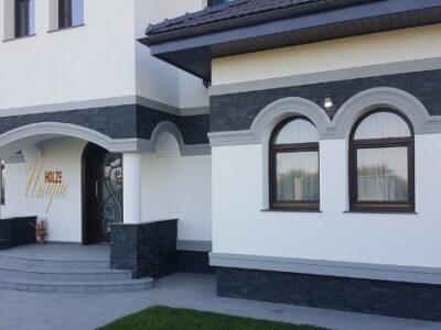 geam , geamuri , termopan , termopane , lemn stratificat , arcada , arcade , case , vile , stil mediteranean , neoromanesc , brancovenesc
