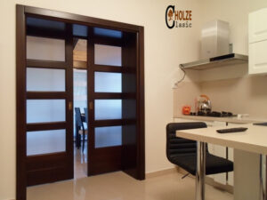 usa culisanta cu sticla pentru bucatarie , living , dining , hol